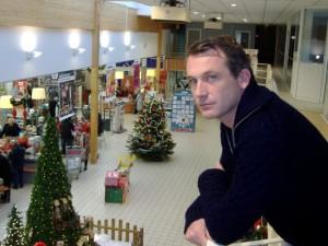 Benoît Willot dans son magasin d'Arc-sur-Tille au moment des fêtes de Noël.