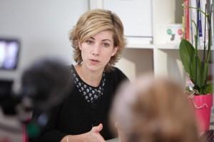 Anne Cazor aide par ses connaissances scientifiques à améliorer la préparation des aliments. (Crédit photo: Julien Attard)