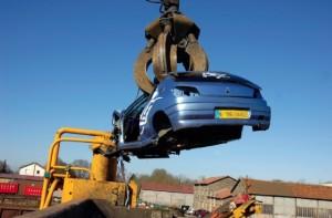 Le principe Reach de connaissance hyper-précise de la composition de chaque produit s'avère inapplicable en pratique pour une carcasse automobile. (Photo Paprec Group)