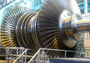 Un élément de turbine à vapeur en fabrication chez Alstom à Belfort.