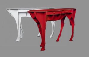 Ibride s'est fait remarquer avec les meubles sculptures en forme d'animaux, signés Benoït Convers.