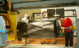 Les réservoirs à haute pression sont enrubannés dans une enveloppe en matériaux composites empêchant la perméation de l'hydrogène. ©Christiane Perruchot.